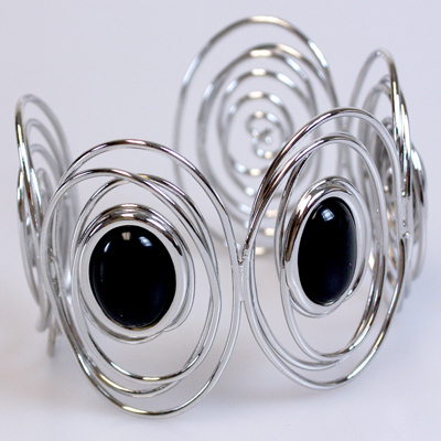 Black / Silver Bangle Bracelet: 611001