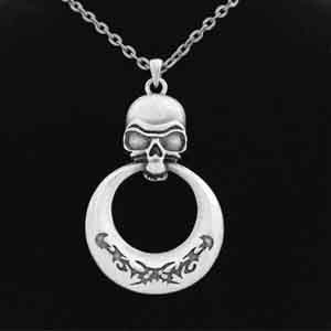 Skull With Ring Necklace: J031
