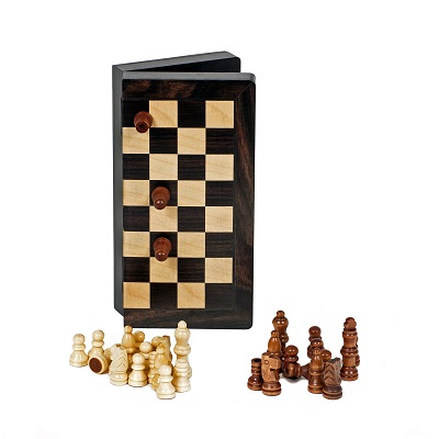 Travel Wood Magnetic Chess Set (8 Inches)