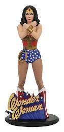 DC Classics TV Gallery: Wonder Woman Diorama PVC Statue