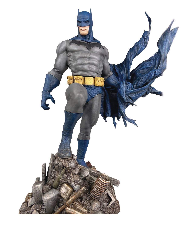 DC Gallery: Batman Defiant PVC Statue